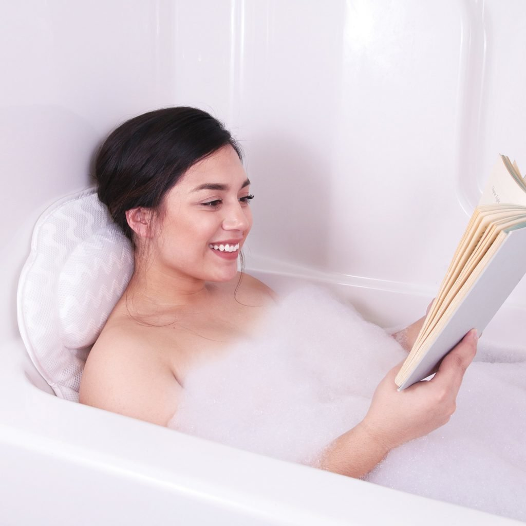 9 Incredibly Soft Tub Pillows To Improve Your Bathing Time