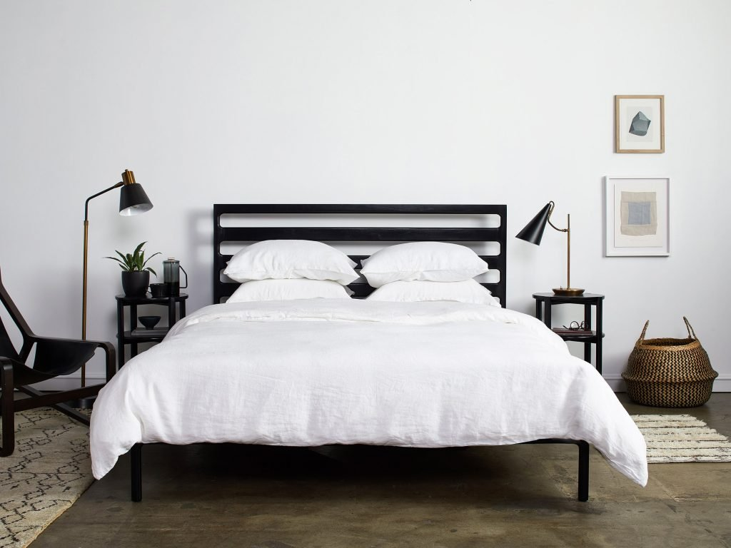 chris-earl-bed-frame-ebony-finish-000-1_2880x