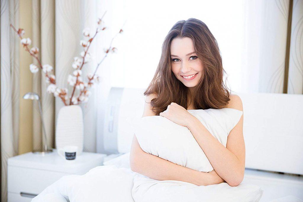 Continental-Bedding-Best-Down-Pillows