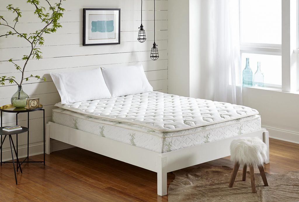 Top 8 Mattress for Side Sleepers - Find The Best Support For Your Hips, Neck and Shoulders!