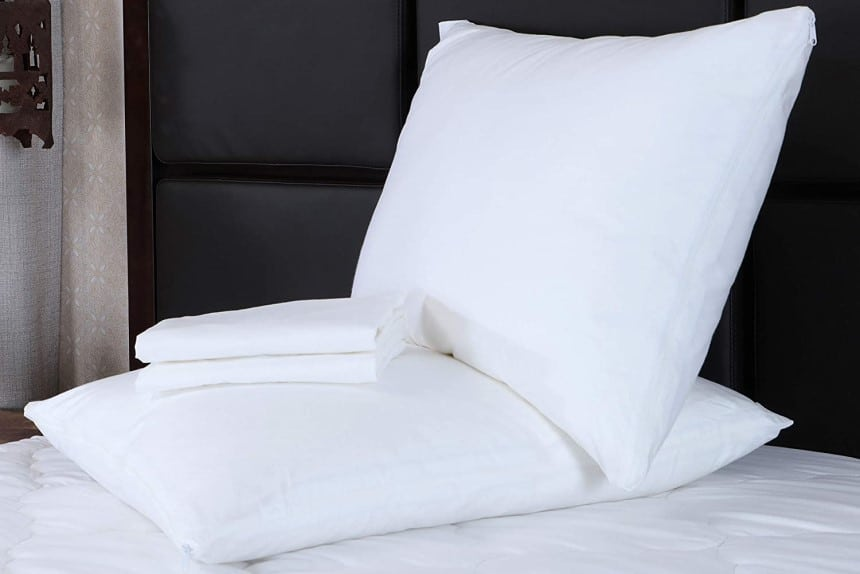 10 Outstanding Pillow Protectors to Make Your Pillow Safe and Last Longer