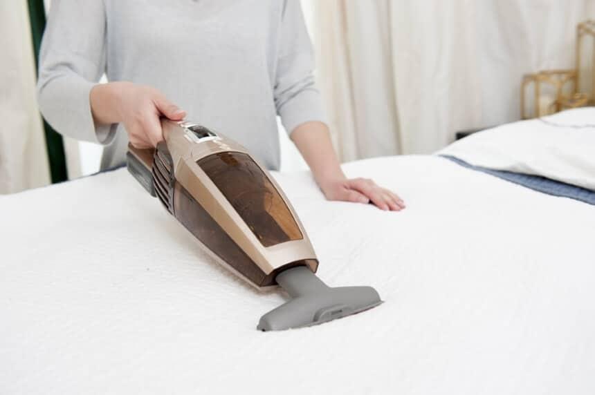 How to Clean a Memory Foam Mattress Topper?