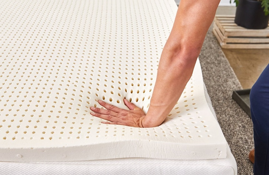 Mattress Pads vs. Mattress Toppers: What's the Difference?
