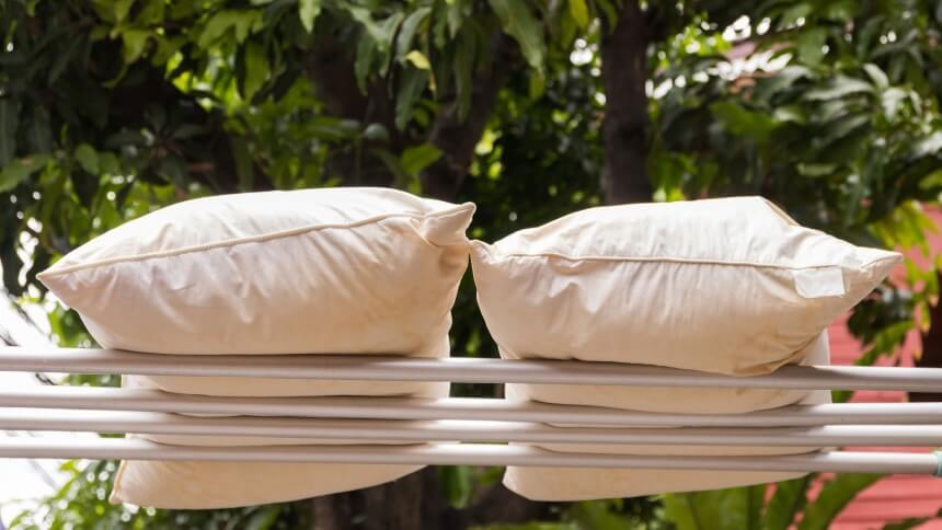 How to Wash a Pillow Properly Without Damaging It
