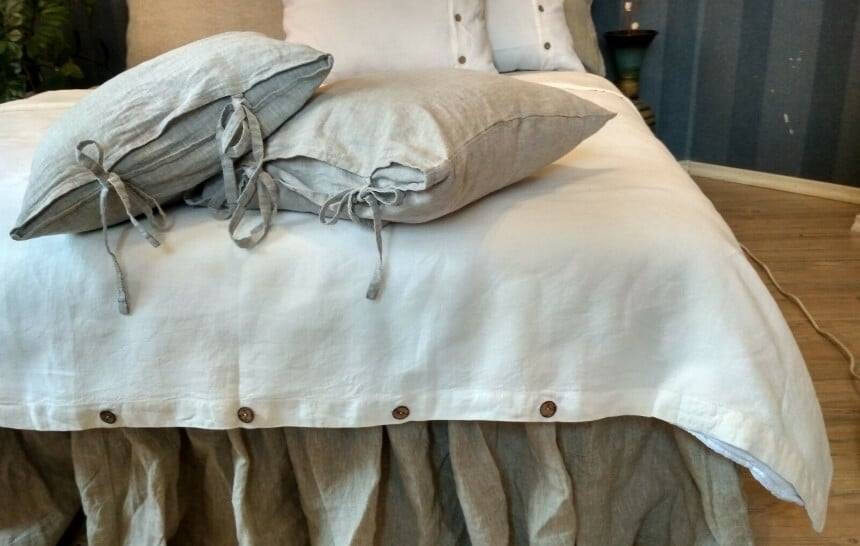 How to Put On a Duvet Cover: 2 Easy-Peasy Ways That'll Change Your Life