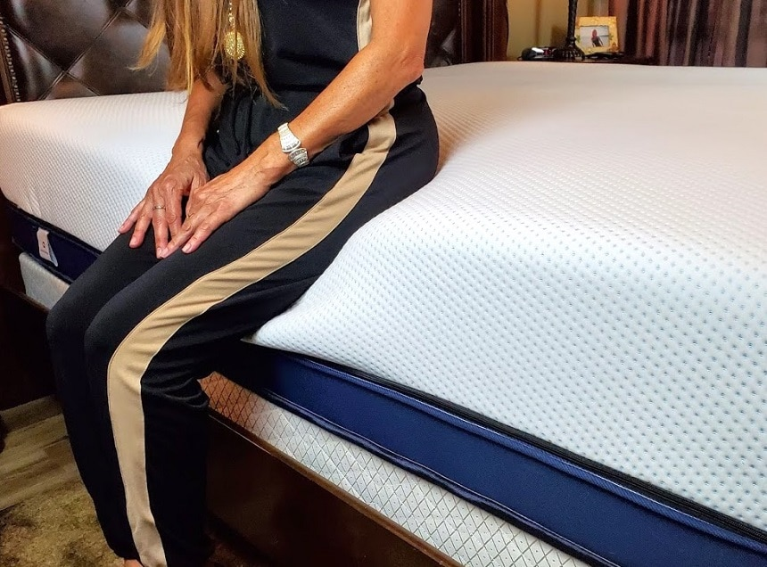 7 Excellent Mattresses to Help You Relieve Your Restless Leg Syndrome Symptoms