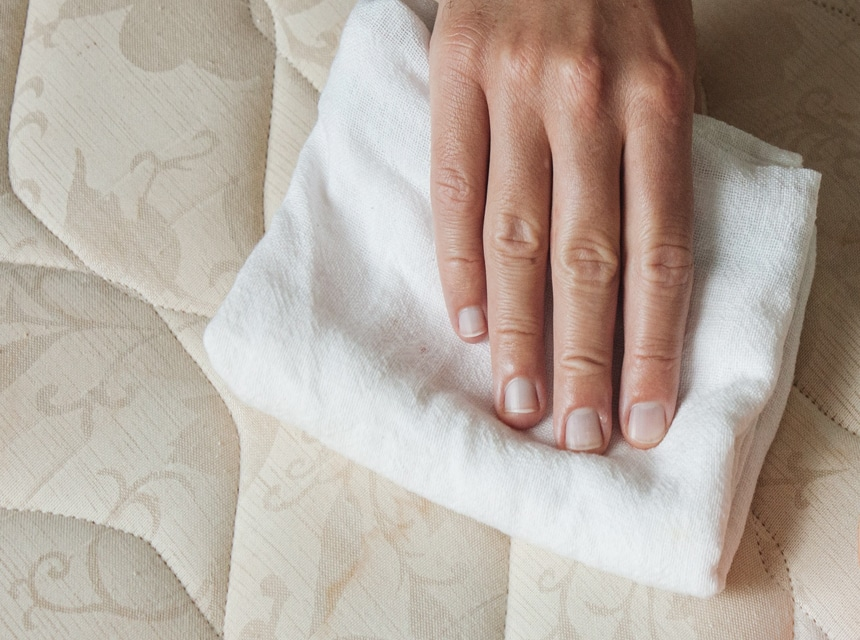 How to Dry a Mattress Quickly: 7 Effective Ways and Pro Tips