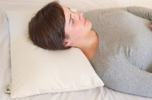 6 Incredibly Comfy Buckwheat Pillows That Suit All Types of Sleepers