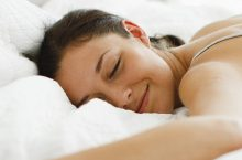 The Truth on Sleeping Without a Pillow